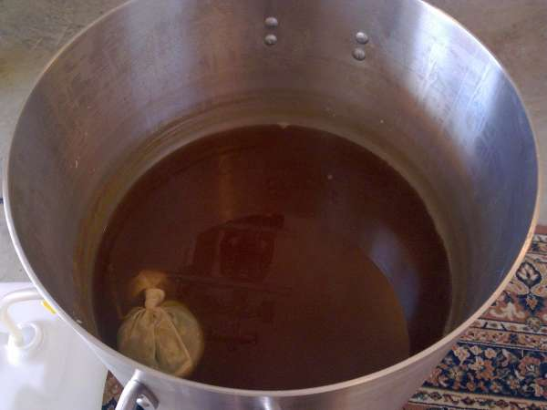 The boil finished The bag contains the hops, which prevents them going into the fermenter.